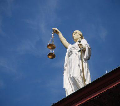 procesy sądowe