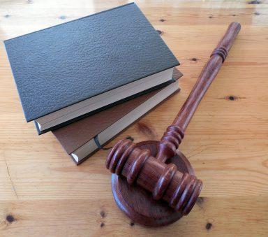 procesy sądowe za granicą